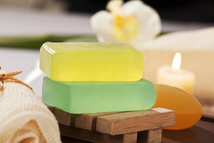 Glycerin-soap-leaves-skin-hair-greasy